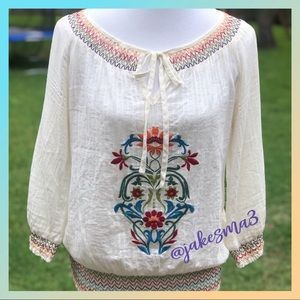 [flying tomato] beautiful embroidered top